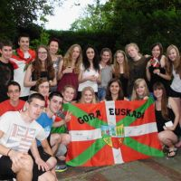 German_group_winning_the_Basque_evening