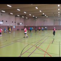 Ab_in_die_Halle01